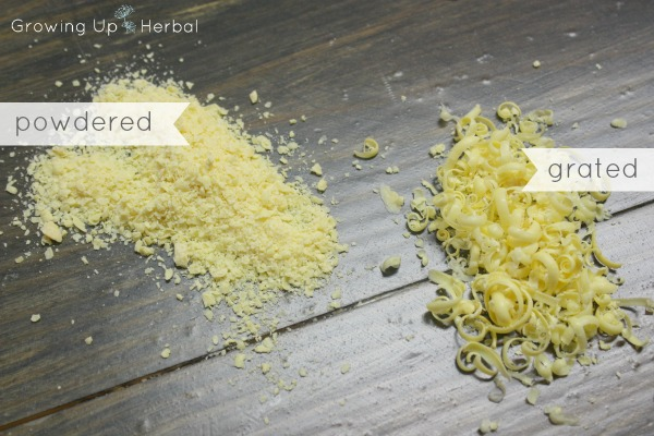 DIY: Homemade Powdered Laundry Detergent   GrowingUpHerbal.com   Make your own powdered laundry detergent and decrease the toxins in your home!
