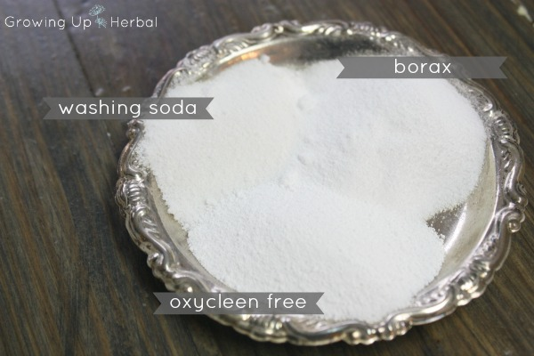 DIY: Homemade Powdered Laundry Detergent | GrowingUpHerbal.com | Make your own powdered laundry detergent and decrease the toxins in your home!